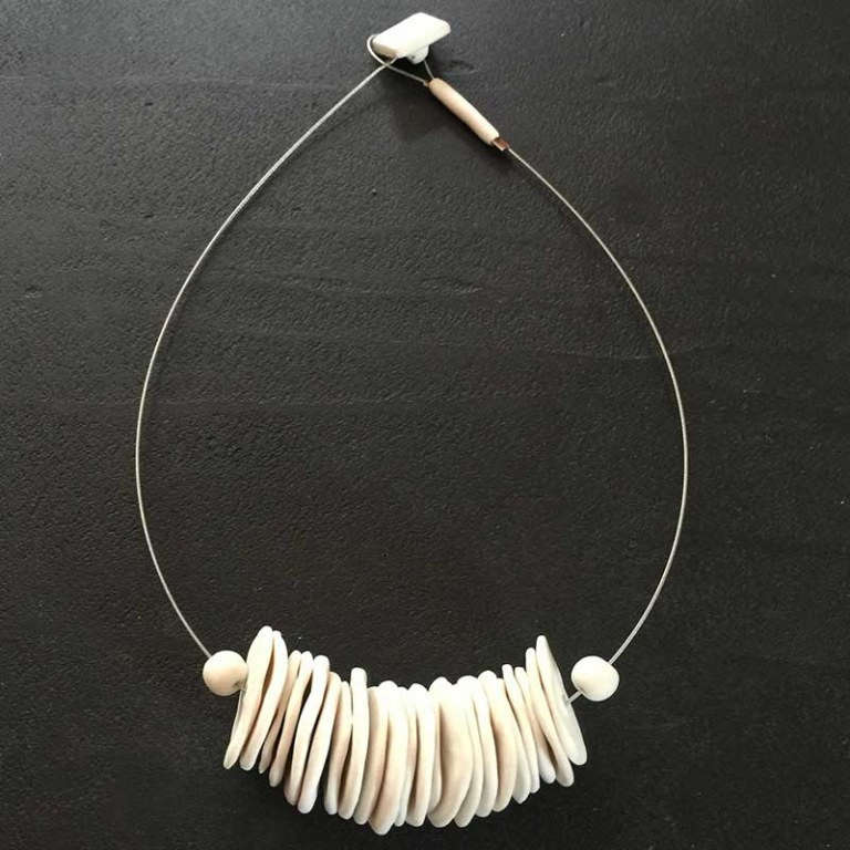 Collier Pastilles blanches