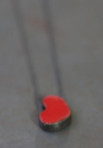 Mini pendentif coeur rouge