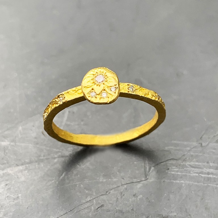Bague Fine or jaune diamants