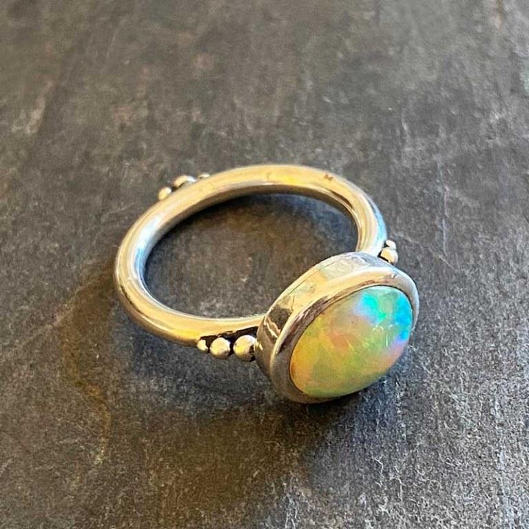 Bague Cabochon Opale Vert