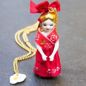 Poupée Gretel Rouge