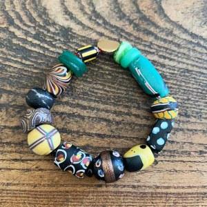 Bracelet Perles vert/jaune/noir VENDU