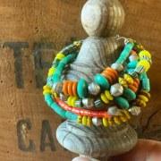 Bracelet Simple perles rayées jaunes/ vertes